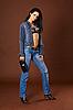 ID 3145879   Junge Frau im modischen Jeans mit Handtasche   Foto mit hoher Auflösung   CLIPARTO