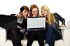 Фото 300 DPI: Девушки общаются по Интернету с иностранцами