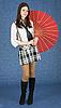아름 다운 소녀 일본의 우산 스탠드 | Stock Foto