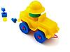 Yellow toy machine | 免版税照片