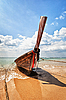 Wooden traditional boat on the beach - Thailand | 免版税照片