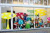 ID 3317103 | Schaufenster mit Waren für Kinder in Gorinchem | Foto mit hoher Auflösung | CLIPARTO