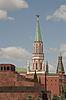 Фото 300 DPI: Никольская башня и Mousoleum на Красной площади в Москве, Россия