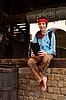 ID 3163169 | Teenie-Mädchen mit elektronischen Buch draußen sitzen | Foto mit hoher Auflösung | CLIPARTO