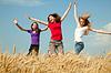 ID 3320400 | Teen girl jumping at wheat field | 높은 해상도 사진 | CLIPARTO