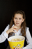 Photo 300 DPI: girl with popcorn