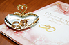 Photo 300 DPI: wedding rings and marriage certificate