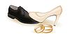 Векторный клипарт: Свадебная обувь и золотые кольца, векторная иллюстрация