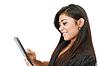 Фото 300 DPI: счастливая женщина с компьютером планшетных ПК