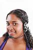 Uśmiecha się czarny obsługi klienta i pomocy technicznej kobieta | Stock Foto