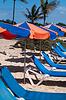 ID 3379403 | Sunchairs And Umbrellas On Beach | Foto stockowe wysokiej rozdzielczości | KLIPARTO