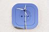 概念:风力发电机组超过电源插座 | 免版税照片