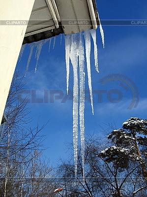 Eiszapfen am Dach | Foto mit hoher Auflösung |ID 3011964