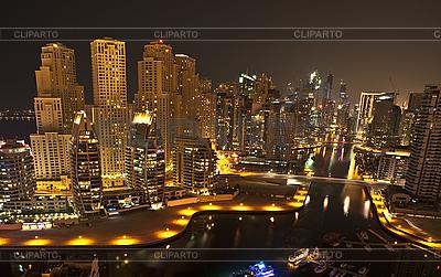 Miasto w nocy, Dubaj | Foto stockowe wysokiej rozdzielczości |ID 3014098