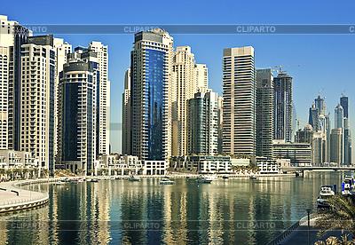Miasto scape w lecie. Dubai Marina. | Foto stockowe wysokiej rozdzielczości |ID 3014394