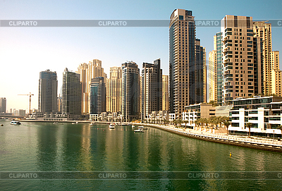Miasto scape w lecie. Dubai Marina. | Foto stockowe wysokiej rozdzielczości |ID 3015809
