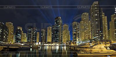 W nocy miasto | Foto stockowe wysokiej rozdzielczości |ID 3016739