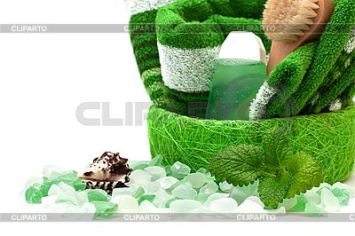 Зеленое полотенце и соль для ванн. | Фото большого размера |ID 3013821