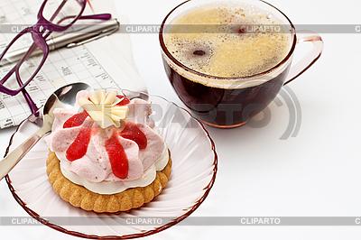 Filiżanka herbaty i kawałek ciasta   Foto stockowe wysokiej rozdzielczości  ID 3014613