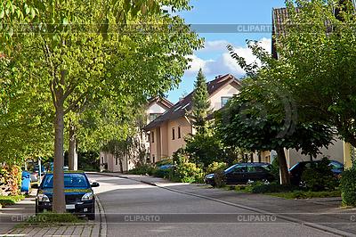 Wohngebiet in einer kleinen Stadt in Deutschland | Foto mit hoher Auflösung |ID 3018828