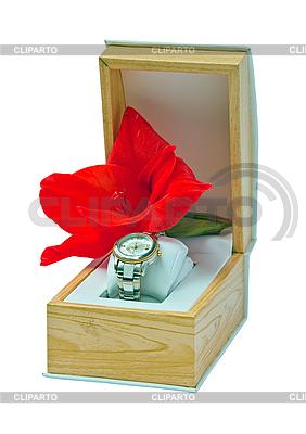 Zestaw upominkowy - damskie zegarki oraz mieczyk. | Foto stockowe wysokiej rozdzielczości |ID 3019335