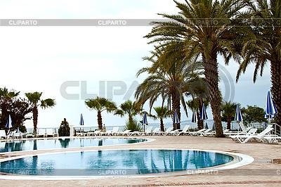 Schwimmbad an der Küste der Türkei. | Foto mit hoher Auflösung |ID 3024440
