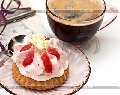 Filiżankę kawy i kawałek ciasta   Foto stockowe wysokiej rozdzielczości  ID 3074430