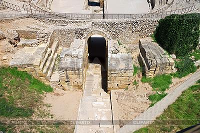 Anfiteatro romano en Taragoña | Foto de alta resolución |ID 3107177
