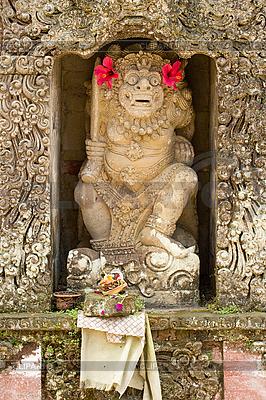 Statua boga w hinduskiej świątyni | Foto stockowe wysokiej rozdzielczości |ID 3015389