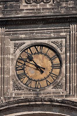 Старинные часы на башне | Фото большого размера |ID 3015692