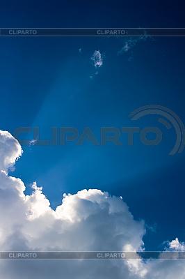 Białe chmury na niebie   Foto stockowe wysokiej rozdzielczości  ID 3015733