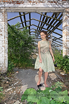 Young lady in evening dress standing | High resolution stock photo |ID 3016837