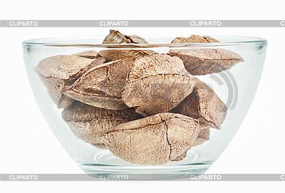 Orzechy brazylijskie w szklanej miseczki | Foto stockowe wysokiej rozdzielczości |ID 3016862