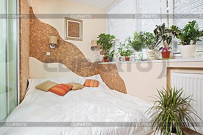 Sonniges Schlafzimmer auf dem Balkon | Foto mit hoher Auflösung |ID 3016920