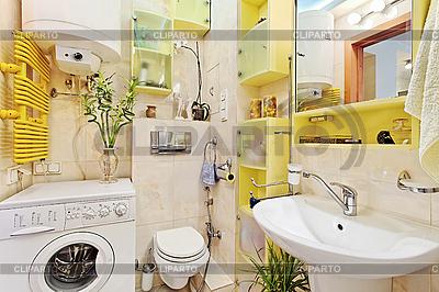 Modernes Badezimmer mit Waschmaschine | Foto mit hoher Auflösung |ID 3016930
