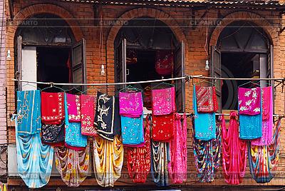 尼泊尔纺织品店店面 | 高分辨率照片 |ID 3016984