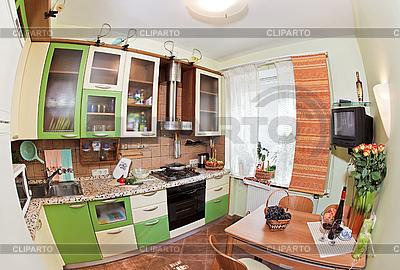 绿色厨房内,鱼眼视图 | 高分辨率照片 |ID 3017256