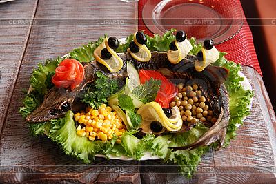Sterlet mit Gemüse  | Foto mit hoher Auflösung |ID 3021347
