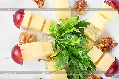 Сыр, орехи и виноград | Фото большого размера |ID 3027635