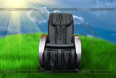 Sunny day with massage arm-chair | 高分辨率照片 |ID 3030410