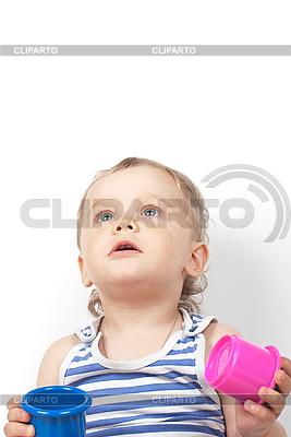 Мальчик с игрушкой | Фото большого размера |ID 3036892