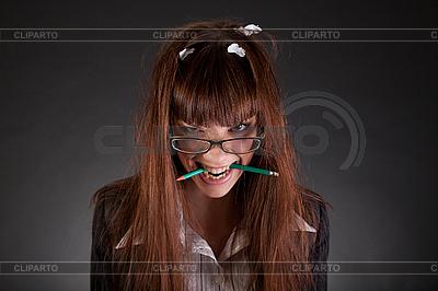 Geschäftsfrau mit zerbrochenen Bleistiften | Foto mit hoher Auflösung |ID 3022375