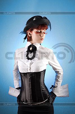 빅토리아 스타일 옷에서 아름 다운 소녀 | 높은 해상도 사진 |ID 3023319