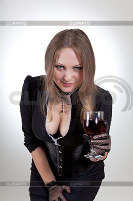 Sexy kobieta z lampką wina | Foto stockowe wysokiej rozdzielczości |ID 3023646