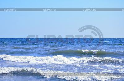 Ocean wave and clear blue sky  | Foto stockowe wysokiej rozdzielczości |ID 3019873