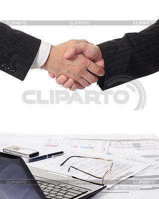 두 비즈니스 파트너 핸드 셰이크 | 높은 해상도 사진 |ID 3021615