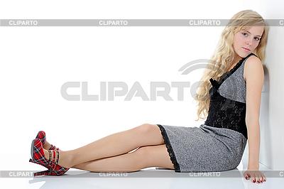 Piękna młoda kobieta | Foto stockowe wysokiej rozdzielczości |ID 3022010