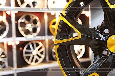 Автомобильное колесо | Фото большого размера |ID 3022749