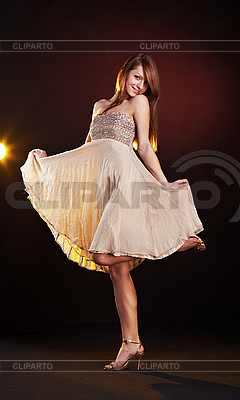 Schöne junge Frauen tanzt | Foto mit hoher Auflösung |ID 3023090