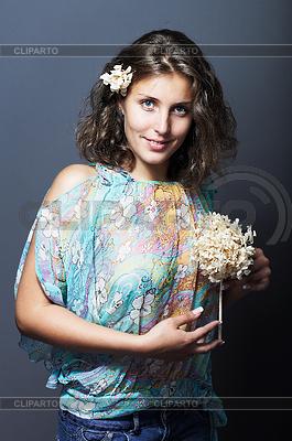 浪漫的女孩,蓝眼睛 - 弹簧精神 | 高分辨率照片 |ID 3023107